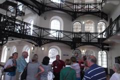 Prisonors-being-briefed-sc-at-the-Gaol