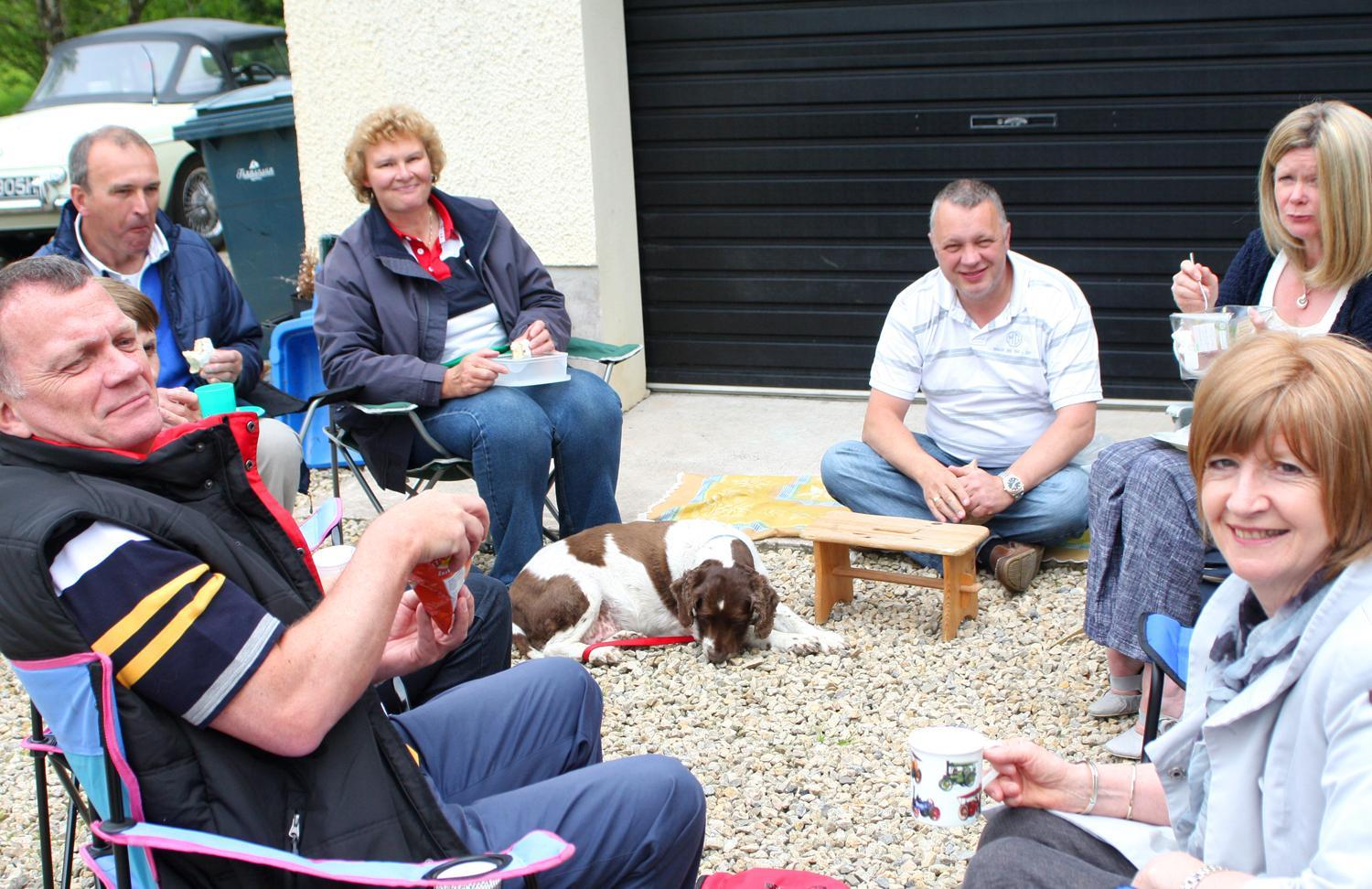 Members-enjoying-the-chat-during-the-Omagh-Run-pf-2