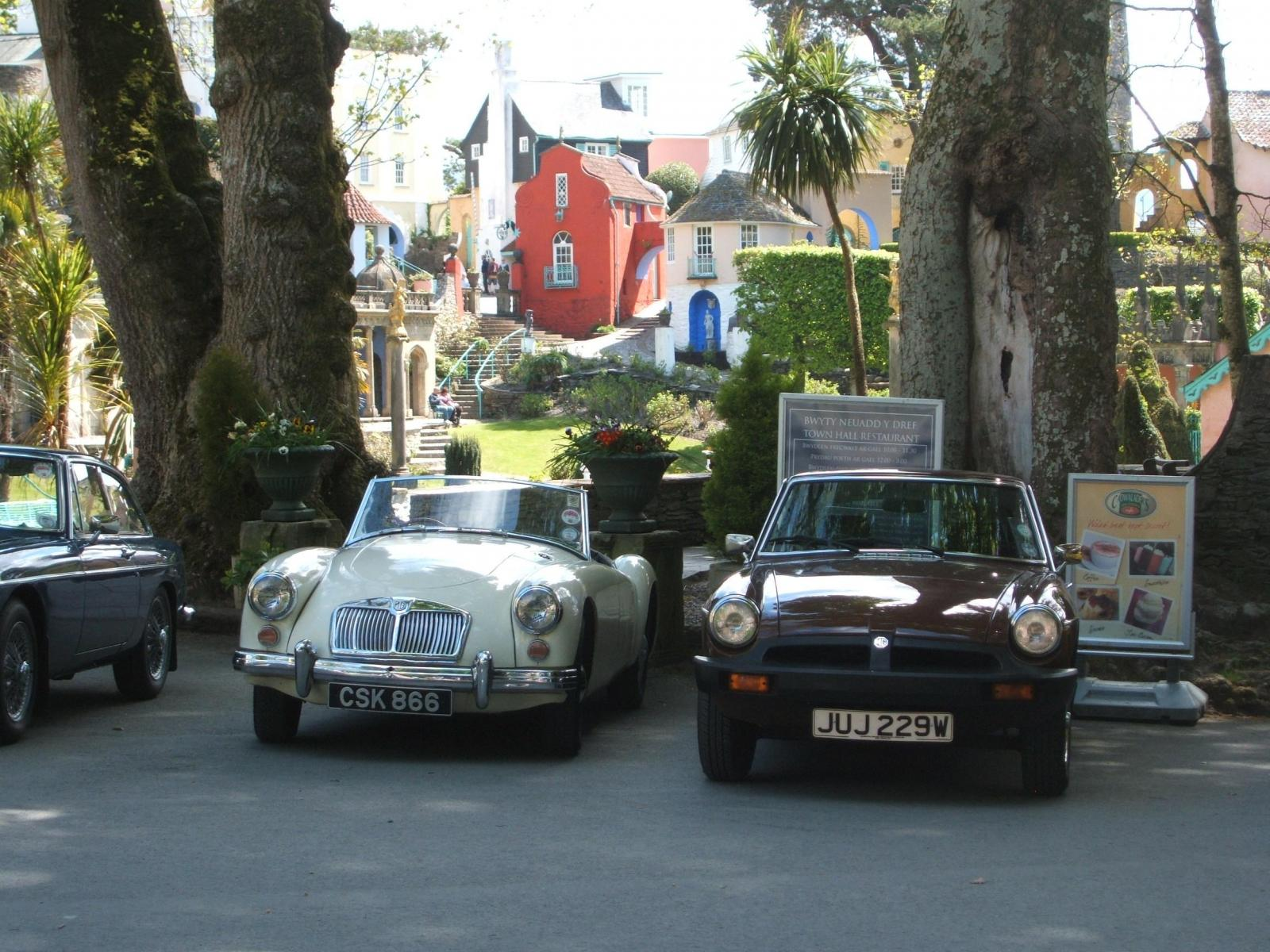 Members-cars-parked-in-Port-Merrion-on-the-tour-during-the-Wales-trip-ac-1