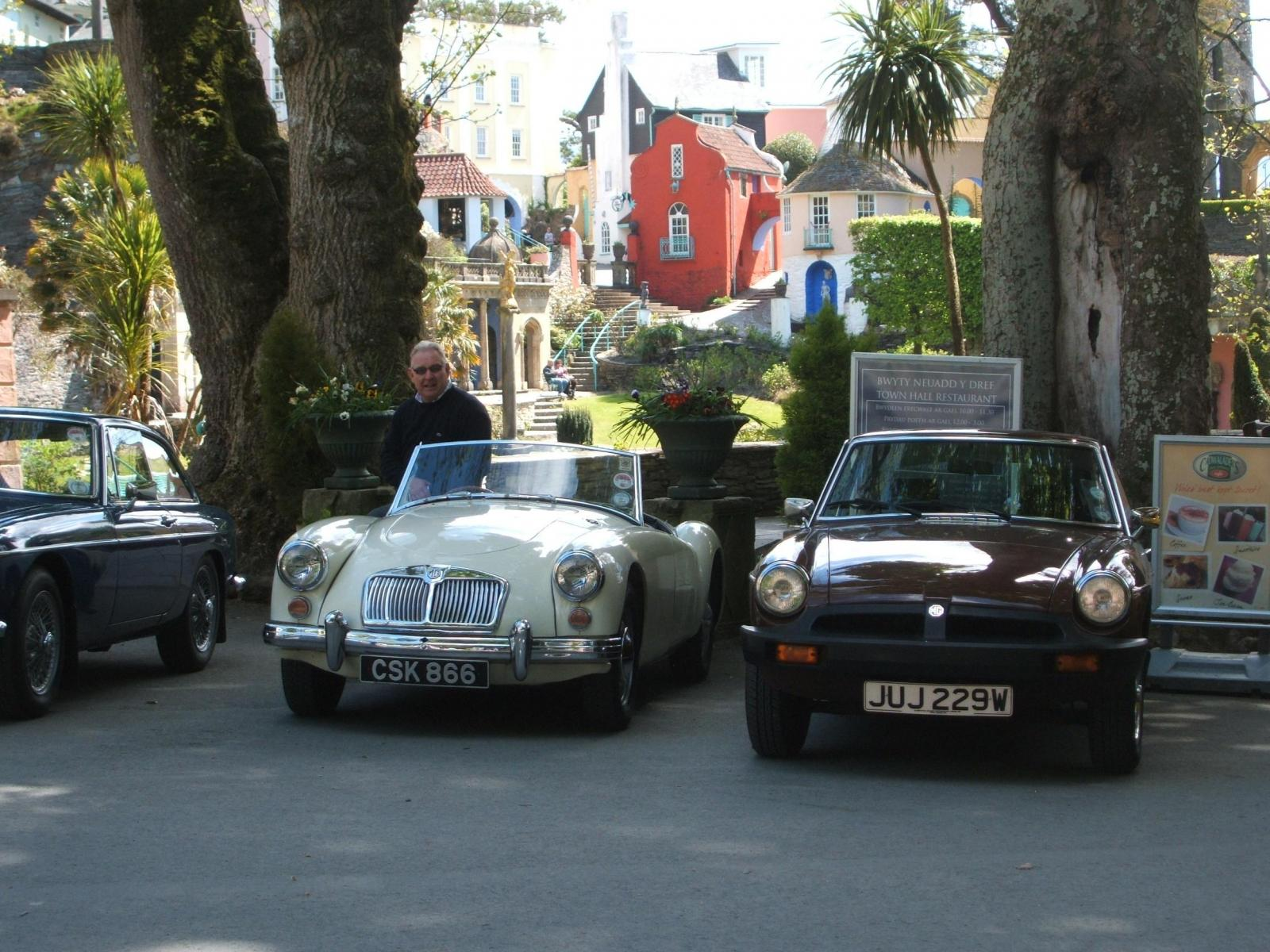 Members-cars-parked-in-Port-Merrion-on-the-tour-during-the-Wales-trip-ac-2